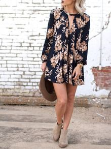 Floral dresses into fall - Jo & Kemp Black Fall Floral Shift Dress Fall Floral Outfit Inspo Mode Outfits, Dress Outfits, Casual Outfits, Dress Casual, Classy Outfits, Short Casual Dresses, Shift Dress Outfit, 70s Outfits, Casual Clothes