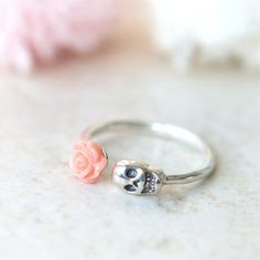 ★★Description★★ This ring will take approximately 3-5 days to complete. Available Size: 4, 5, 6, 7, 8, 9 US ring size. So unique and fun skull ring