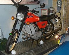 Mopeds, Retro, Cars And Motorcycles, Classic Cars, Bike, Vehicles, Motorcycles, Antique Cars