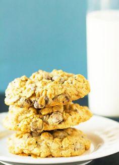 Low FODMAP & Gluten free Recipe - Blueberry & cinnamon oaties    www.ibssano.com/...