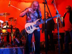 """Wolfgang """"Kuddel"""" Riedel am Bass - electra live in concert"""