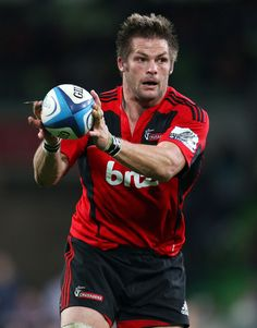 Richie Mccaw Photos - Richie McCaw of the Crusaders runs with the ball during the round 12 Super Rugby match between the Rebels and the Crusaders at AAMI Park on May 2012 in Melbourne, Australia. - Super Rugby Rd 12 - Rebels v Crusaders Richie Mccaw, Canterbury Crusaders, Crusaders Rugby, Rugby Union Teams, Nz All Blacks, Mary Lou Retton, Super Rugby, Australian Football, Rugby World Cup