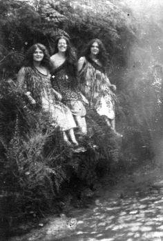 maori women Maori People, Tribal People, Polynesian People, Maori Designs, Maori Art, Kiwiana, People Of The World, Ancient Civilizations, Old Photos