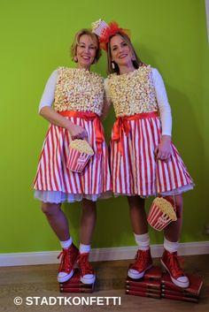 Stadtkonfetti - DIY POPCORN TÜTE KOSTÜM Costume Halloween, Purim Costumes, Dress Up Costumes, Carnival Costumes, Halloween Outfits, Cool Costumes, Witch Costumes, Halloween Party, Carnival Booths