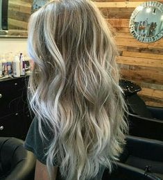 Golden Blonde Balayage for Straight Hair - Honey Blonde Hair Inspiration - The Trending Hairstyle Blonde Hair At Home, Blonde Hair Ideas 2018, Blonde Hair For Fall, Winter Blonde, Balayage Blond, Ash Blonde Hair Balayage, Ashy Blonde, Blonde Makeup, Hair Color And Cut
