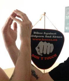 Schleife zeigen Bild 0126 #schleifezeigen #kinderschutz #challenge #1207schleifen #fingerweg #fingerweginfo