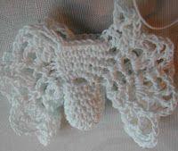 Neljässä polvessa: Enkelparven tie (Virkatun enkelin ohje) Crochet Necklace, Tie, Angels, Cravat Tie, Ties
