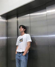 Pretty Boys, Cute Boys, Selfies, Bright Wallpaper, Boyfriend Photos, Korean Boys Ulzzang, Bright Pictures, Boy Images, Handsome Prince