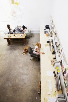 Cool office space Rue Magazine (March/April Photographed by Laure Joliet. Interior Work, Office Interior Design, Office Interiors, Coworking Space, Long Desk, Cool Office, White Office, Open Office, Office Ideas