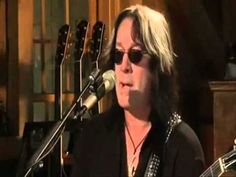 Daryl Hall with Pat (Train) and Todd Rundgren - Wait For Me. - YouTube