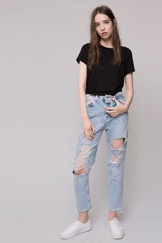 [PULL AND BEAR] En el Black Friday, hazte con los jeans perfectos de PULL & BEAR #Modalia | http://www.modalia.es/marcas/marcas/9471-black-friday-pull-and-bear-jeans.html