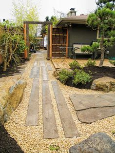 Best Small Yard Landscaping & Flower Garden Design Ideas - New ideas Japanese Garden Design, Japanese Landscape, Garden Landscape Design, Japanese Gardens, Japanese Style, Small Yard Landscaping, Texas Landscaping, Hydrangea Landscaping, Mulch Landscaping