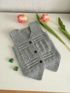 Damat yeleği yapılışı » By hatice Crochet For Kids, Knit Crochet, Baby Kids, Baby Boy, African Wear Dresses, Kurti Neck Designs, Baby Warmer, Warm Outfits, Baby Cardigan