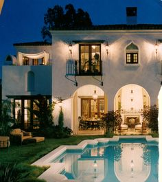 Moroccan architecture style features arches, domes, yards, and ornamental tile work, all of which are well represented in this exterior Spanish Style Homes, Spanish Revival, Spanish House, Spanish Colonial, Spanish Design, Houses Architecture, Moorish, Home Design, Design Ideas