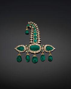 """Star of Golconda"" Diamond Brooch – Alain. Mughal Jewelry, Indian Jewelry, Antique Jewelry, Antique Gold, Traditional Indian Jewellery, Indian Accessories, Royal Jewelry, Diamond Brooch, Schmuck Design"
