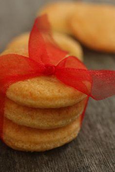 Parmesan Shortbread, a great gift or for Christmas nibbles  http://www.nourishmagazine.co.nz/19/parmesan-shortbread/