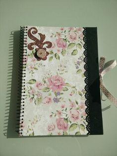 Cuaderno flores lazo topos rosas