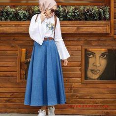 Esra Keküllüoğlu / designer / ( Nayırrrrr Nolamazzz Gentleness of the ancients – Skirt and blouse - Outfit Center Modern Hijab Fashion, Muslim Fashion, Modest Fashion, Fashion Outfits, Abaya Fashion, Modest Dresses, Modest Outfits, Skirt Outfits, Trendy Outfits