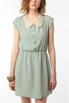 GOR. GEOUS. Lace Peter Pan collar. Classic color. Simply beautiful and effortless. #dress