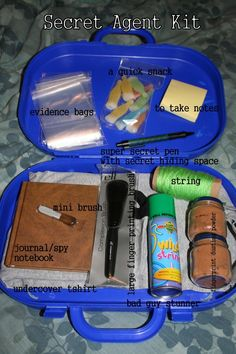 "Make your own DIY ""secret agent kit"" with household items. Could also be a CSI kit, and does not just have to be for boys! Geheimagenten Party, Party Ideas, Secret Agent Party, Spy Birthday Parties, Detective Party, Material Didático, Spy Gear, Diy Cadeau, Spy Kids"