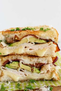 Turkey Avocado Sandwich, Hot Turkey Sandwiches, Egg And Cheese Sandwich, Bacon Sandwich, Sandwich Recipes, Sandwich Ideas, Avacado Grilled Cheese, Grilled Cheese Recipes, Turkey Melt