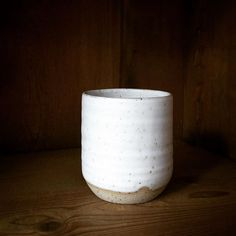 "Becher, mit meiner Handschmeichler-Mattglasur ""Kieselweiss"". Cup with white soft matt glaze. #ceramics #pottery #handgetöpfert #glaze #white #simple #mug #Becher #Töpferei #Hamburg #Töpferninhamburg"