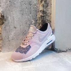 3c76e1ca8ca6 Aujourd hui chez Sneakersnstuff Paris  Nike Wmns Air Max Zero LOTC QS