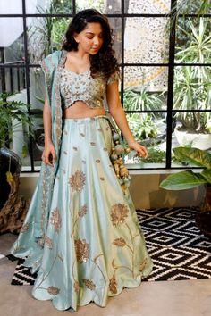 Pretty powder blue lehenga for sangeet #wedmegood #indianwedding #wedding #bridallehenga #lehenga #lehengacholi #blue #sangeetlehenga #indianbride #fashion #fashiondesigner #designer #gazalgupta