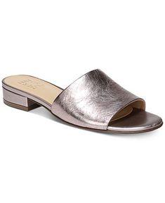 Flip Flops Arch Support Women Flip Flops Non Slip Women Shoe Boots, Shoes Sandals, Women Sandals, Shoes Women, Flip Flop Shoes, Flip Flops, Beautiful Sandals, Naturalizer Shoes, Dream Shoes