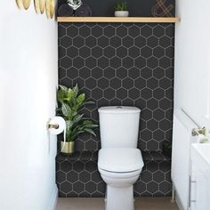Kitchen and Bathroom Splashback - Removable Vinyl Wallpaper - Hexa Ebony - Peel & Stick Geometric shapes are a trend that's here to stay and there's no reason that hexagons shouldn't be up for consideration for your backsplash! Vinyl Wallpaper, Black Wallpaper, Kitchen Wallpaper Accent Wall, Hexagon Wallpaper, Bathroom Wallpaper, Modern Wallpaper, Wallpaper Ideas, Bathroom Splashback, Backsplash