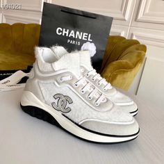 Chanel Brand, Sports Trainers, Tennis Sneakers, Chanel Paris, Chanel Shoes, Woman, Fashion, Zapatos, Tennis