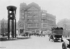 Potsdamer Platz in Berlin, Germany, with the traffic light tower on the left, circa 1925. The tower was erected in 1924.