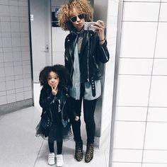 Big and mini fashionistas