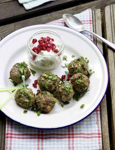 Orient-Hackbällchen mit Minzjoghurt - Rezepte - [LIVING AT HOME]