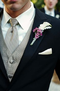 Wedding Suit Striking formal look for a groom {Photo by Nadia D Photography via Project Wedding} - The groom's boutonniere featured a white calla lily. Photo by Nadia D Photography Wedding Planning, Flowers, Catering and Rentals by A Divine Event Wedding Men, Wedding Groom, Wedding Suits, Wedding Attire, Trendy Wedding, Wedding Styles, Dream Wedding, Wedding Ideas, Tuxedo Wedding