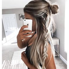 How amazing is this pic of @kelsrfloyd!? Hair envy  wearing our deluxe bronzing mousse in ultra dark xx