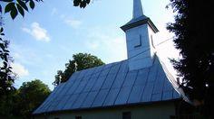 Biserica de lemn din Berchez O călătorie virtuală prin Maramureş - galerie foto. Vezi mai multe poze pe www.ghiduri-turistice.info Sursa : http://ro.wikipedia.org/wiki/Fișier:RO_MM_Berchez_wooden_church_4.jpg