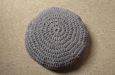 VERY EASY crochet pouf tutorial - crochet cushion / foot stool/ floor cu...