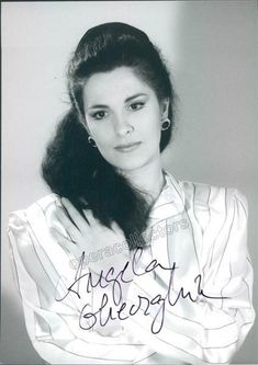 Signed photo of the star Romanian soprano 5 x 7 inches, in excellent condition Opera Singers, Classical Music, Art History, Dame, T Shirts For Women, Female, The Originals, Stars, Celebrities