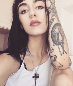 Hannah Snowdon. (Those eyes kill me.)