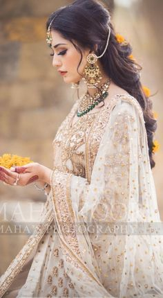 Indian Bridal Outfits, Pakistani Bridal Wear, Pakistani Dresses Casual, Pakistani Dress Design, Dress Indian Style, Indian Dresses, Wedding Dresses For Girls, Bridal Dresses, Wedding Gowns