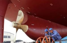 China's largest oil tanker put into use