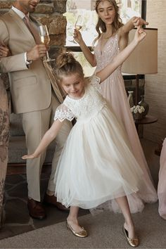 Flower girl dresses have already been traditionally designed for women between 3 to 8 years of age. These types of dresses are specifically conceptualized and designed for the weddings. A flower girl Boho Flower Girl, Lace Flower Girls, Vintage Flower Girl Dresses, Fall Flower Girl, Wedding Flower Girl Dresses, Fairy Wedding Dress, Wedding Dresses 2018, Long Sleeve Wedding, Wedding Dress Sleeves
