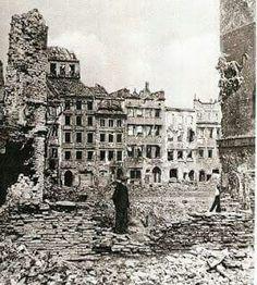 Poland Ww2, Germany Poland, Warsaw Poland, Polish Government, Warsaw Uprising, Poland History, Old Photography, Travel Goals, Homeland