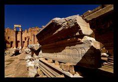 Roman inscription in the ruins of Leptis Magna, Libya | por Eric Lafforgue