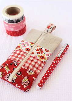 Easy to make patchwork pencil case.