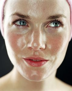 Oily skin is wonderful because we tend to age slower due to the amount of oil in our skin; however it can be a pain. Pimples often come with the territory as well as enlarged pores and a shiny face. Helpful skin care ingredients are Salicylic acid, Niacinamide, Vitamin B5 and anti inflammatory ingredients like allantoin for pimples and break outs