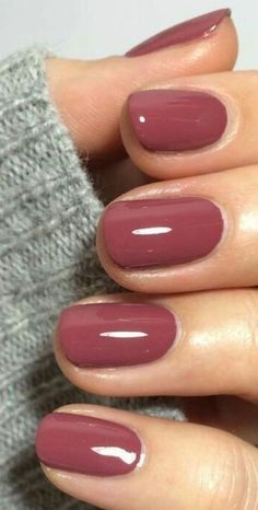 """A berry mauve was pinned over times on the social media portal. The name of the nail polish: """"Angora Cardi"""" from Essie. A berry mauve was pinned over times on the social media portal. The name of the nail polish: """"Angora Cardi"""" from Essie. Fall Nail Colors, Nail Polish Colors, Mauve Nail Polish, Manicure Colors, Autumn Nails, Winter Nails, Fall Gel Nails, Winter Nail Art, Gorgeous Nails"""
