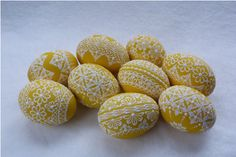 Žluté kraslice / Zboží prodejce Pippa | Fler.cz Easter Projects, Egg Art, Line Design, Easter Eggs, Wax, Spring, Eggs, Paintings, Pointillism