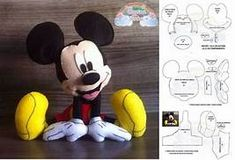 Mickey egér penész a Baby Mickey Mouse, Mickey Mouse Clubhouse Birthday, Felt Crafts Patterns, Animal Sewing Patterns, Sewing Stuffed Animals, Stuffed Toys Patterns, Disney Diy, Disney Crafts, Felt Crafts Dolls